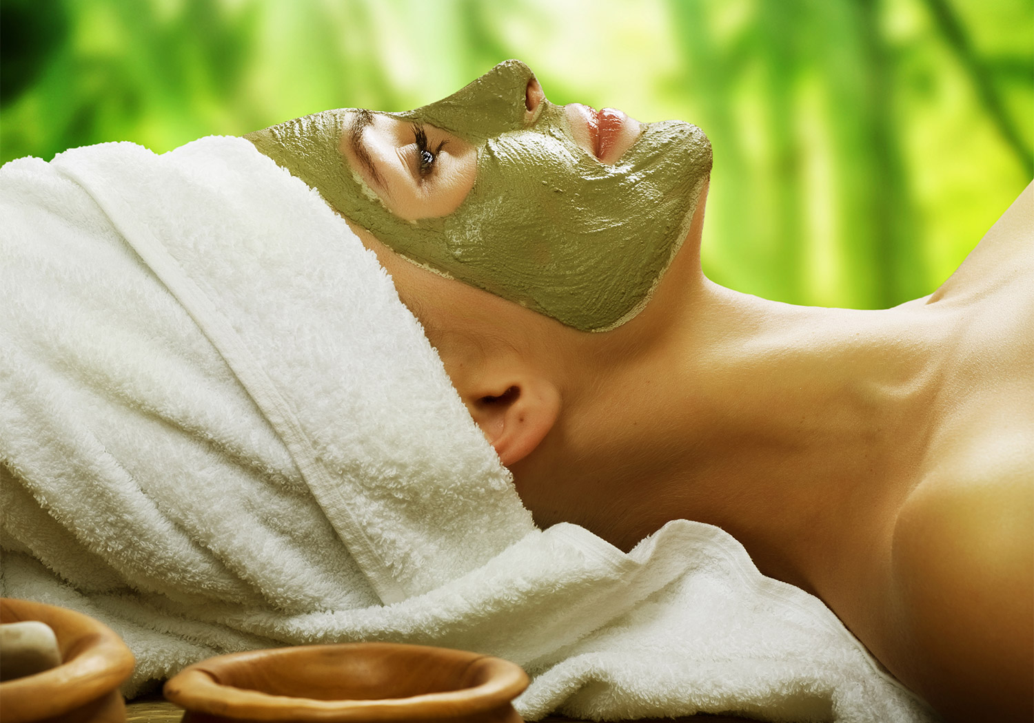 Natural Green Beauty Team Face Massage